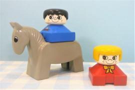 Vintage Lego Duplo paard met figuren - Boerderij
