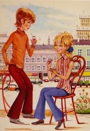 Jongen en meisje op terras