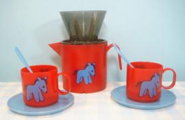 Vintage plastic Roehler kinderserviesje met koffiefilter