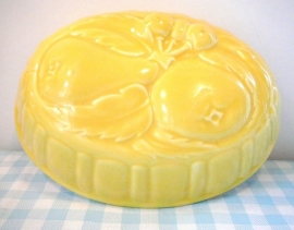 Puddingvorm geel -  pudding mould vintage