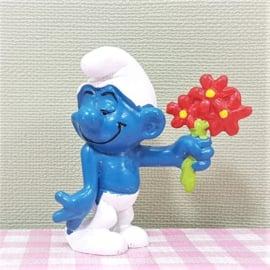 Vintage Smurf met boeket bloemen  -  Schleich Peyo W. Germany