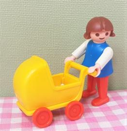 Playmobil 3357 meisje met poppenwagen - jaren 80