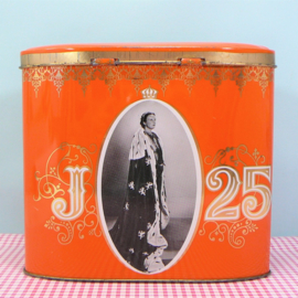 Retro blik Koningin Juliana 25 jaar