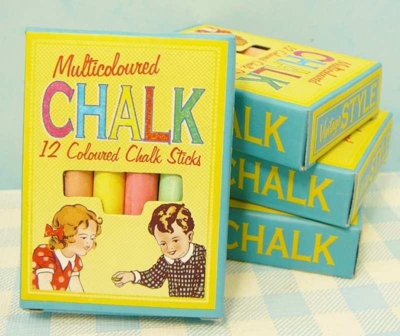 Pakje met 12 schoolbord krijtjes - Coloured Chalk Sticks