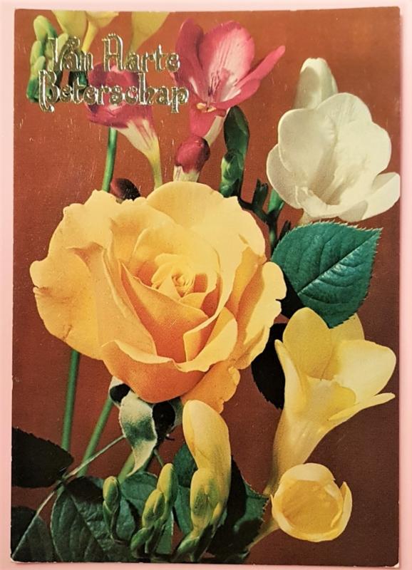 Vintage ansichtkaart Van Harte Beterschap - roos met fresia's