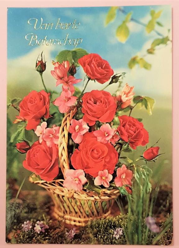 Vintage ansichtkaart Van Harte Beterschap - bloemenmand
