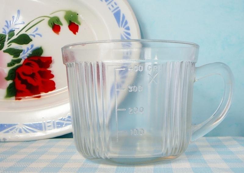 Oude mixer maatbeker glas