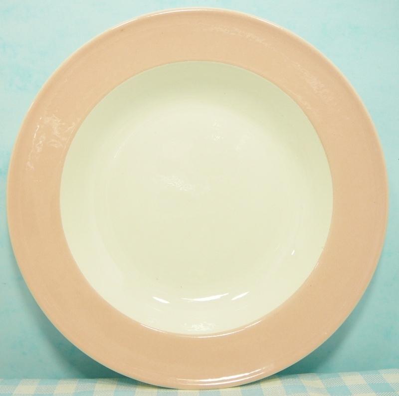 Boch Belgium - diep bord pastel roze 24 cm