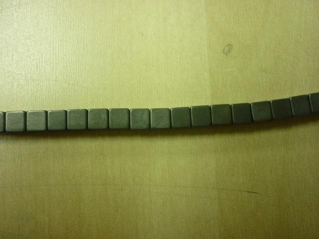 Hematite mat kubus 4 x 4 mm - 7005M