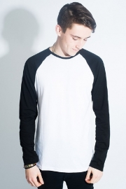 Pop Boutique, Raglan T-shirt Black/ White.