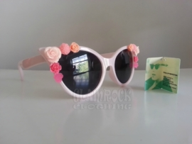 Revive, Roses Cateye in Light Pink.