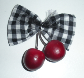 Gingham Bow Cherry Clip.