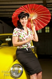 Pinup Couture, Classic Pencil Skirt in Black.
