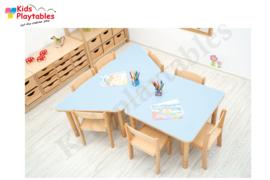 Groepstafel Trapezium kinderopvang HPL blad en in hoogte verstelbare houten poten