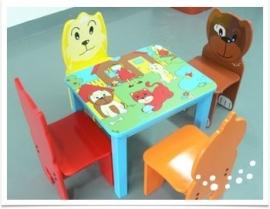 Vierkante kindertafel Happy Pets