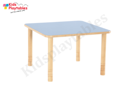 Vierkante tafel kinderopvang met HPL blad en in hoogte verstelbare houten poten 80 x 80 cm