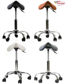 Zadelkruk op wielen kleur zwart met gasveer 46 -62 cm - tabouret verstelbaar - kappersstoel - knipkruk - kapperskruk - kappersfiets - Ergonomisch - Ponyseats