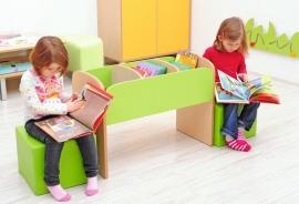 Lage boekenkast voor kinderen in de kleur Groen