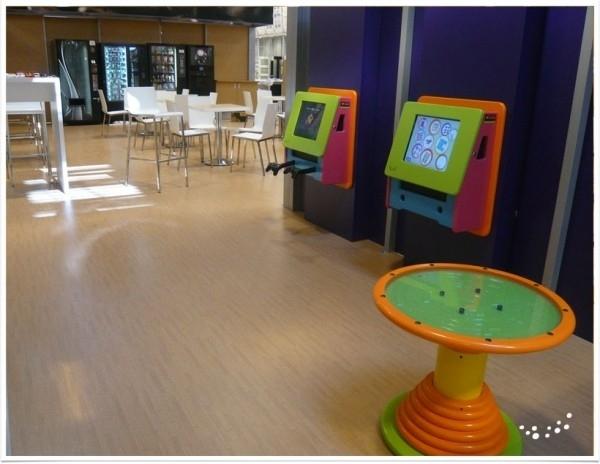Kinderhoek Gemeentehuis en/of Openbare ruimte