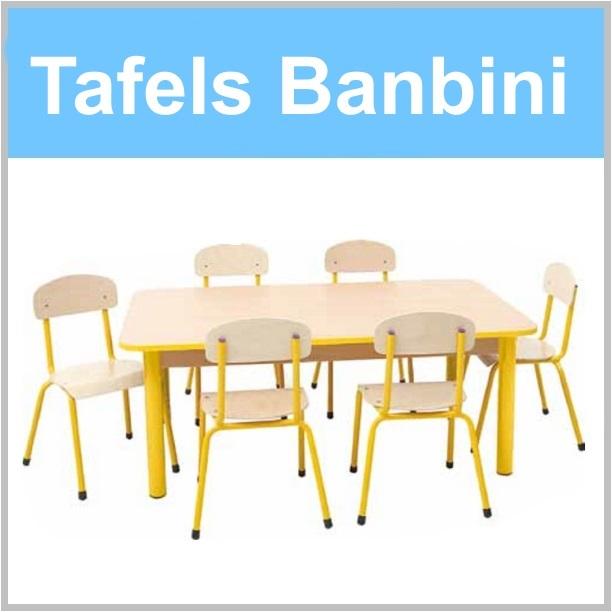 Houten kindertafels voor de kinderopvang van banbini