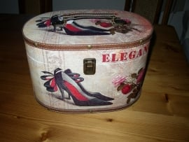 Opbergdoos of -koffer met leuke print met schoenen