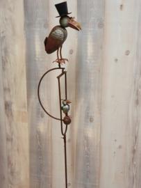 Tuinprikker kraai in kleur  met kleine kraai op balansbol