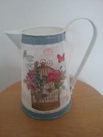 Brocante waterkan of vaas met print kooi en bloemen