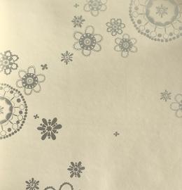 Onszelf Fantasiebloemenbehang  lichtzalmroze zilver OZ 7638