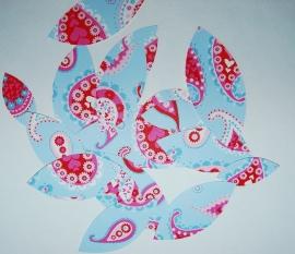 Behangblaadjes paisley in blauw roze rood
