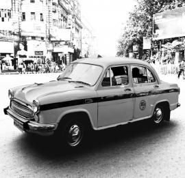 Dutch Fotobehang Delhi Taxi Zwart Wit