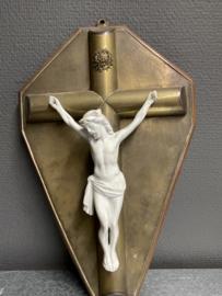 Koperen crucifix, 34 x 22 cm, porselein corpus (7)