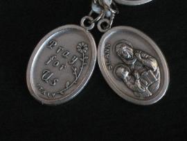 Devotie medaille Anna met Maria 2 cm ovaal pray for us