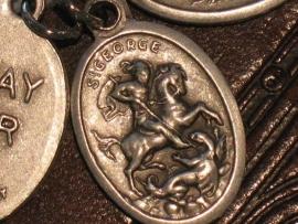 Devotie medaille Joris en de draak  2 cm