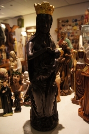 .Zwarte Madonna, OLV Maria van Halle 48 cm, gips.