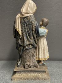 Anna en Maria, geperst marmer, 31 cm, (8)
