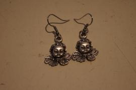 Engel kopje oorbellen, zilver kleurig
