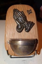 .Wijwaterbakje biddende handen, A. Durek 14 cm