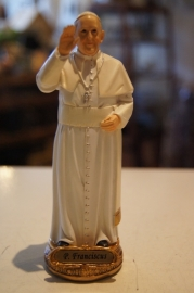 Paus Franciscus, 20 cm hoog, resin,(3)