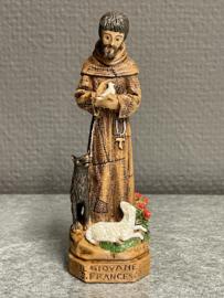 Franciscus van Assisi met wolf en vogel en lam. 12 cm hoog. Resin (8)