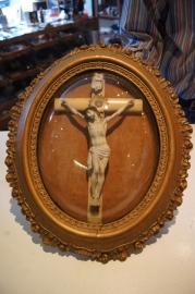 Crucifix axchter bol glas, 19e eeuw, Vlaams