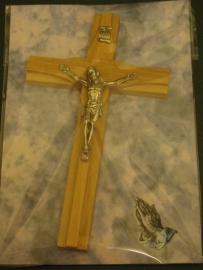 Crucifix kruis Licht bruin hout 15 x 8,5 cm