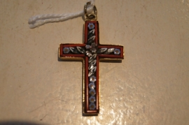 Mozaiek kruis in double zetting 2.5 cm rood Millefiori.