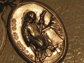 Devotie medaille Johannes van het kruis 2 cm