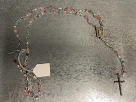 Rozenkrans, gekleurde kraaltjes, 39 cm met slotje