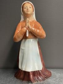 Bernadette Soubirous, 46 cm, porselein verf achterkant beschadigd. (9)