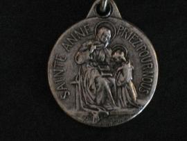 Devotie medaille Anna met Maria 2 cm rond