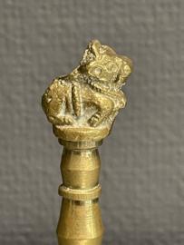 Tibetaanse bel met heilige koe, koper, 11 cm (7)