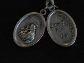 Devotie medaille Antonius ovaal Pray for us