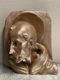 Ignatius van Loyola, borstbeeld, aardewerk, 25 x 21 cm (6)