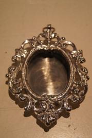 Relikwie doosje (leeg) nikkel handgemaakt 6 x 4.5 cm binnen maat (2)